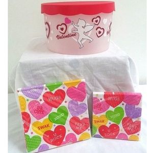 Accessories - Valentine Storage Container and Napkins Hearts